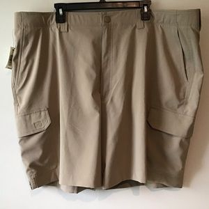Shorts 46 Tan Flat Front Performance NWT R.& Yorke